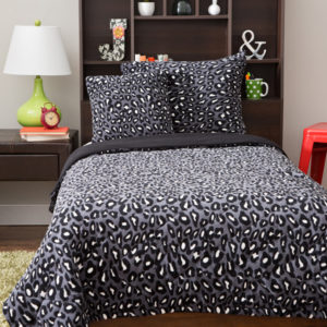 Gray Cheetah Fleecy Comforter Set
